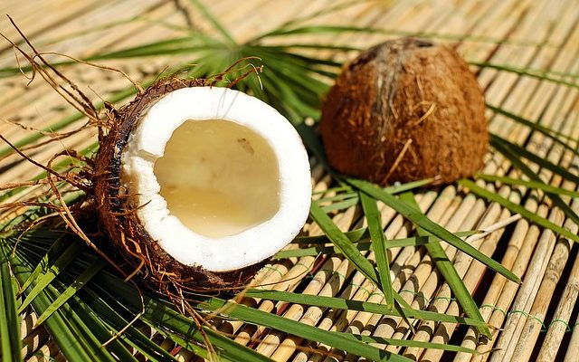 10 Amazing Things You Can Do With Coconut Oil
