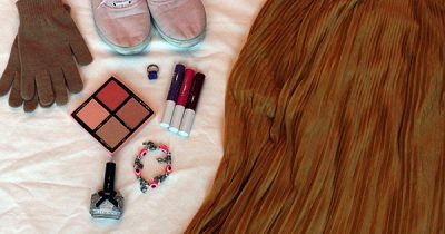 How to Add Colours to Your Outfit On A Dark Winter Day
