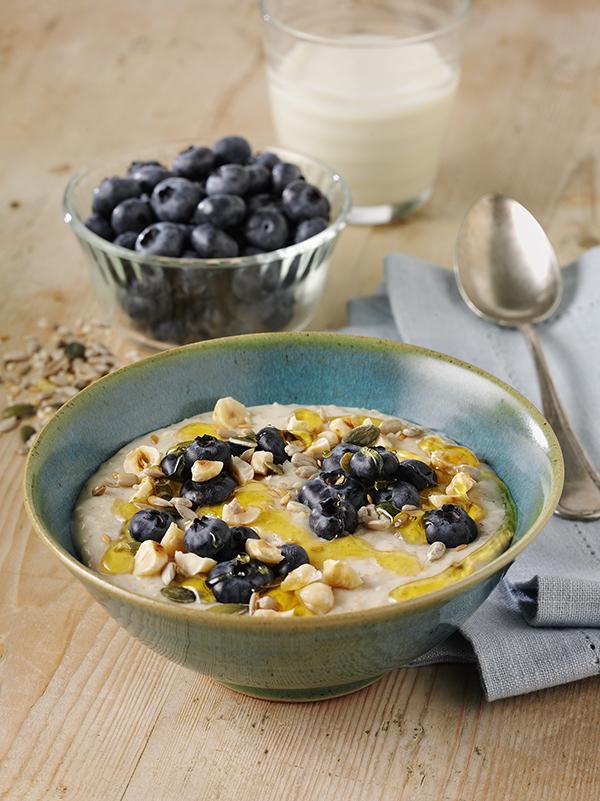 Porridge with Blueberries & Hazel